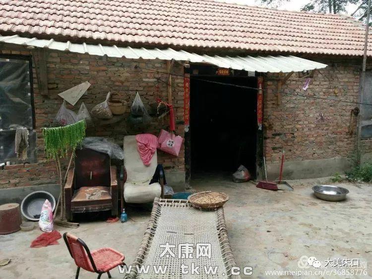 朱口这个村的一老人:丈夫去世、儿子离世、儿媳出走……