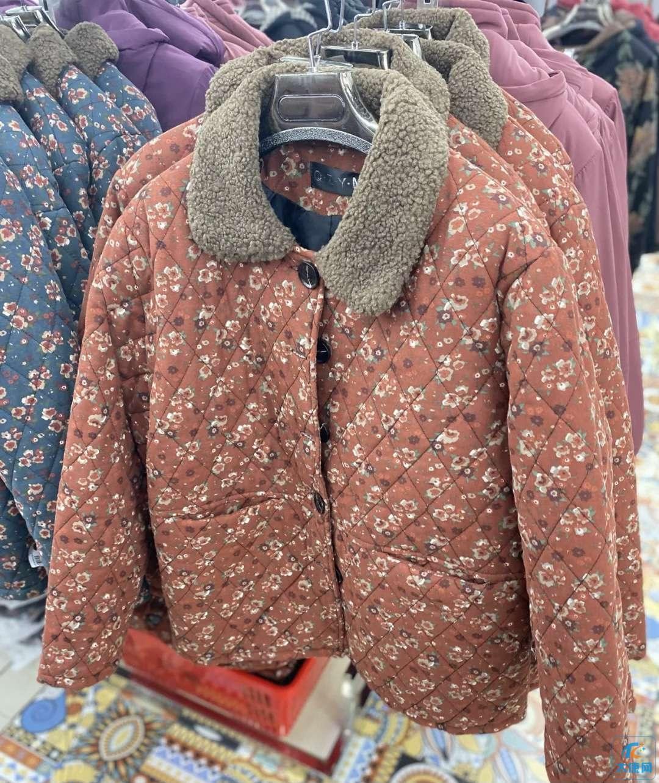 我审美有问题了嘛,给自己买了件奶奶年龄穿的衣服!